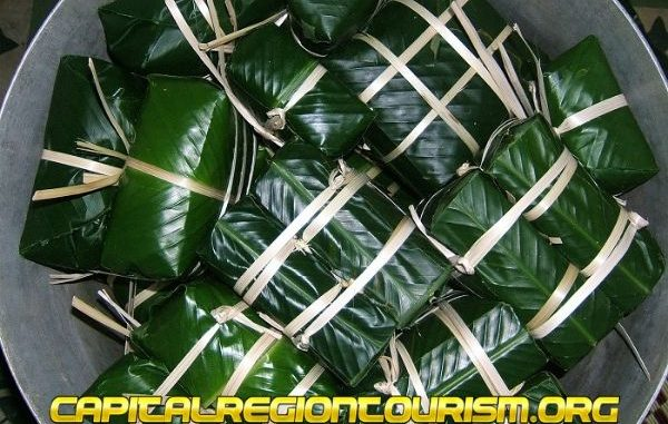 Bánh chưng Nhật lệ là một trong những đặc sản Huế làm quà có tiếng nhất
