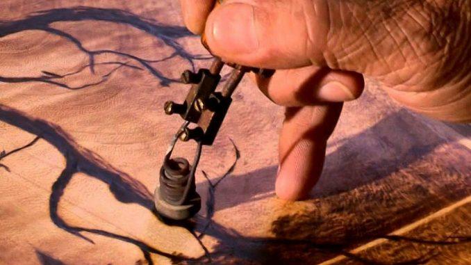 Tranh khắc gỗ hoặc tranh bút lửa: