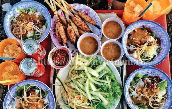 [ 2019] Top 19 Món ăn vặt ngon ở Huế và 20 Quán ăn vặt nổi tiếng 11
