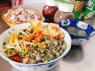 Cơm hến Huế - Một món ăn dân dã đậm chất Cố đô 16