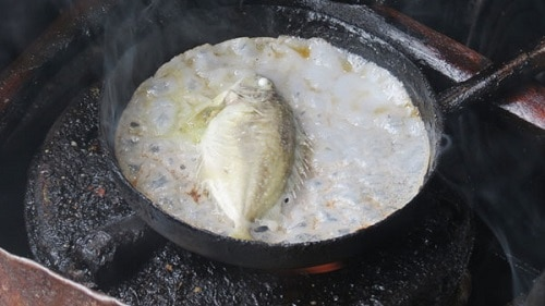 Bánh xèo cá kình làng Chuồn - Một đặc sản xứ Huế mộng mơ 3