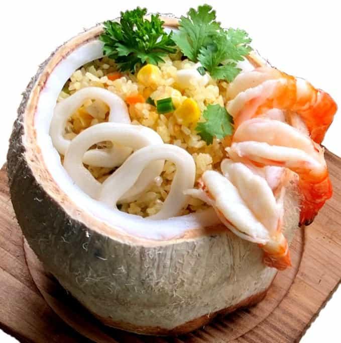 Cơm trái dừa ẩm thực Cung Đình Huế - Cách chế biến món Cơm trái Dừa chuẩn vị Cung Đình Huế 1