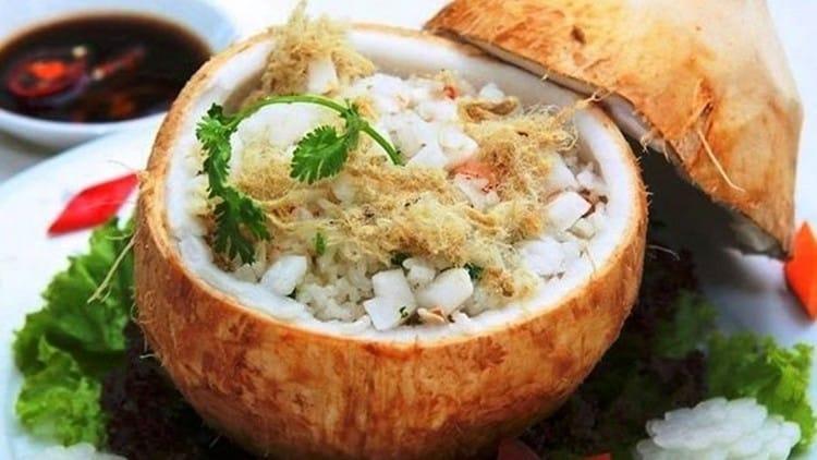 Cơm trái dừa ẩm thực Cung Đình Huế - Cách chế biến món Cơm trái Dừa chuẩn vị Cung Đình Huế 2
